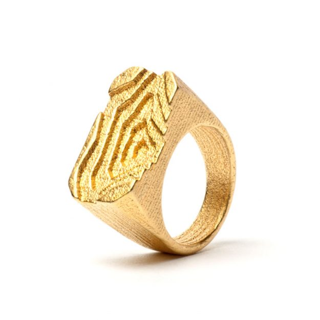 NITZ & SCHIECK | Pit ring, 3d printed stainless steel, gold plated